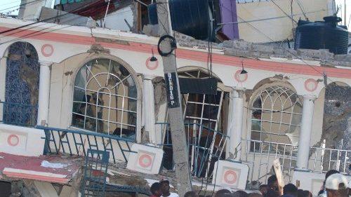 Francisco al pueblo haitiano: Ofrezco mi palabra de aliento a los supervivientes