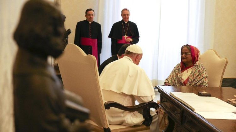 pope-francis-meets-with-bangladesh-prime-mini-1518434583875.jpg