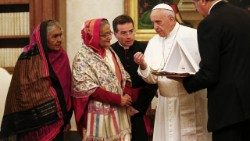 Pope Francis exchanges gifts with Bangladesh's Prime Minister Sheikh Hasina