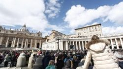 pope-francis-during-the-angelus-prayer-1521374290792.jpg