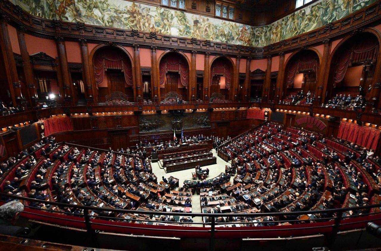 Italia camera e senato eletti fico e casellati vatican for Camera e senato differenze