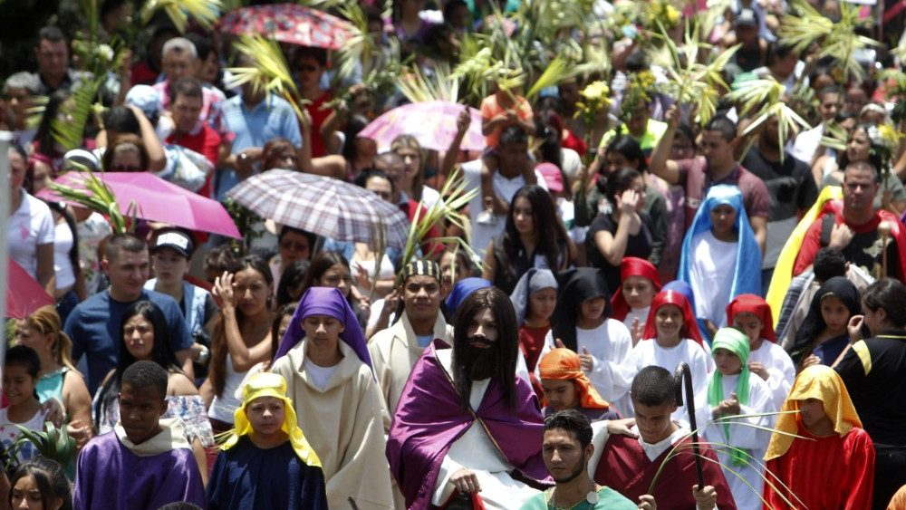 palm-sunday-in-medellin-1522006693317.jpg