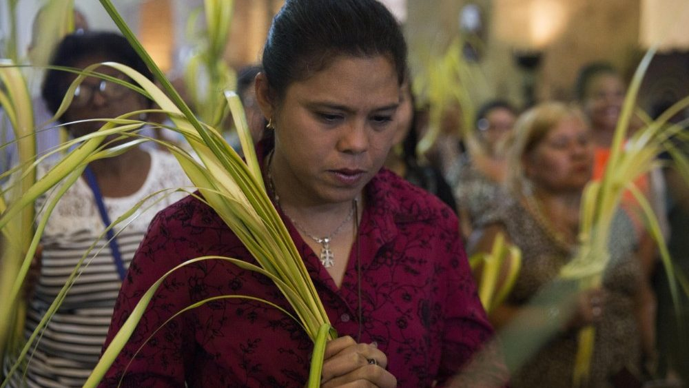 palm-sunday-in-santo-domingo-1522021390769.jpg