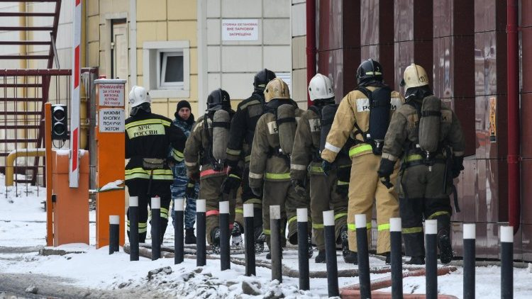 fire-in-kemerovo-shopping-center-1522061609457.jpg