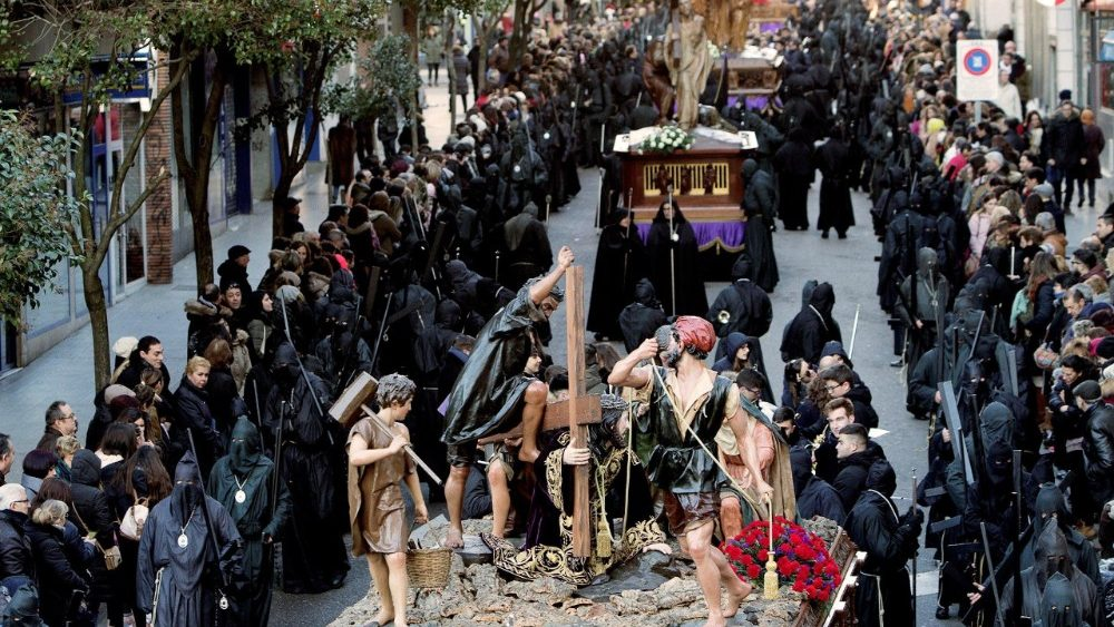holy-week-in-zamora-1522401792360.jpg