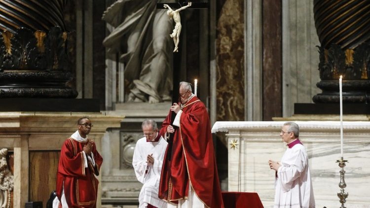 pope-francis-celebrates-the-lord-s-passion-1522429095295.jpg
