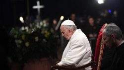 Pope Francis presides Via Crucis in Rome