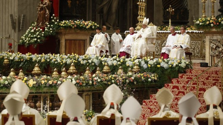 Pope Francis' Easter Vigil mass