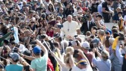pope-francis--general-audience-1524644311214.jpg