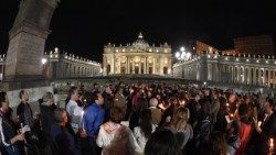 Prayer vigil for Alfie Evans in Saint Peter?s square