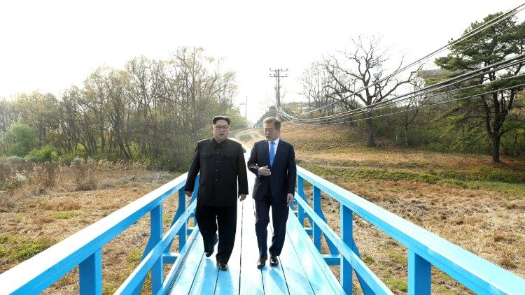 The leaders of South and North Korea at the Peace House on the Demilitarized Zone on the border between the two nations