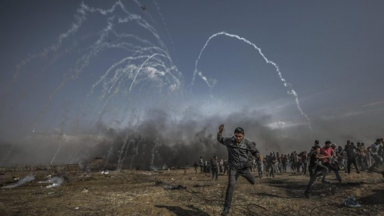 At least four dead, over 950 injured in clashes at Gaza border
