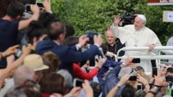 Pope tells Focolari members to remain faithful to their roots and to trust in the future