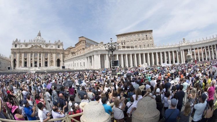 Pilgrims gathered in St. Peter's Square for the Sunday Angelus