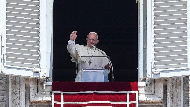 Papa: a festa de Corpus Christi é mistério de atração a Cristo e transformação nEle