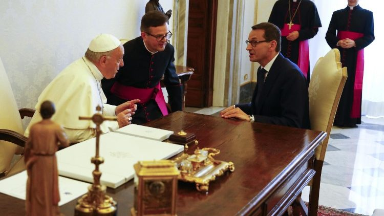 pope-francis-meets-polish-prime-minister--1528107765773.jpg