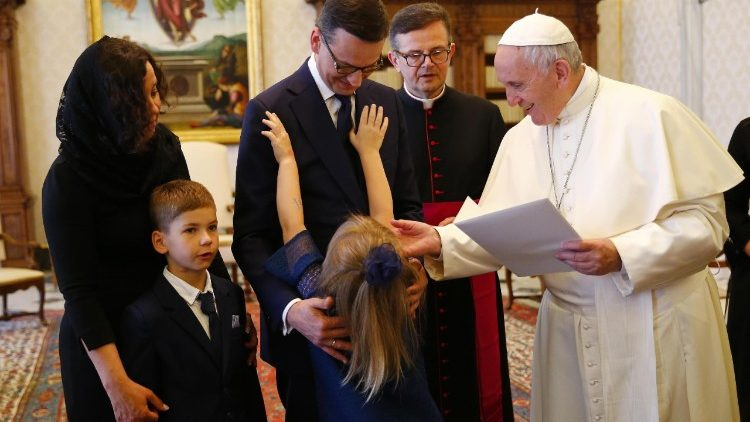 pope-francis-meets-polish-prime-minister--1528107767341.jpg