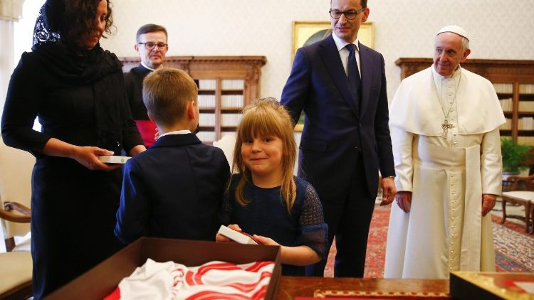 pope-francis-meets-polish-prime-minister--1528107770308.jpg