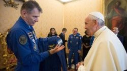 pope-francis-meets--iss-53---mission-1528470776671.jpg