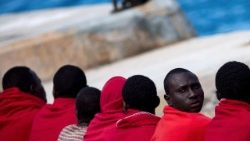a-total-of-69-migrants-rescued-at-sea-1528574574781.jpg