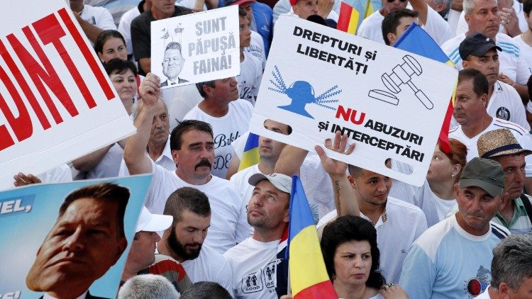 Romanians protest against judicial 'abuses' in Bucharest