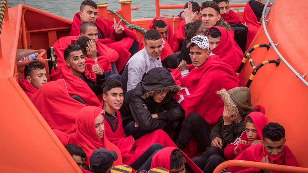 migrants-rescued-in-the-strait-of-gibraltar-1528718247927.jpg