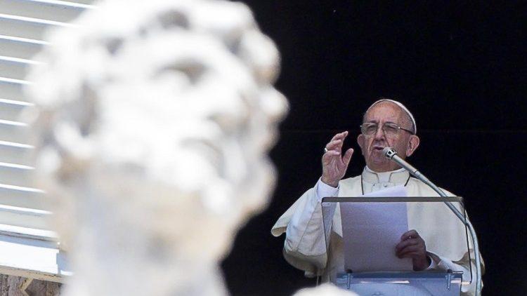 llamamiento Papa Ángelus Yemen Pacto Mundial refugiados