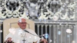 pope-francis-wednesday-audience-1529486699972.jpg
