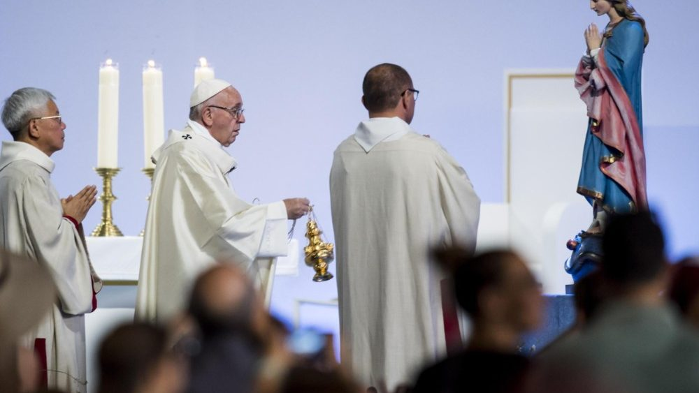 pope-francis-visits-the-world-council-of-chur-1529596473787.jpg