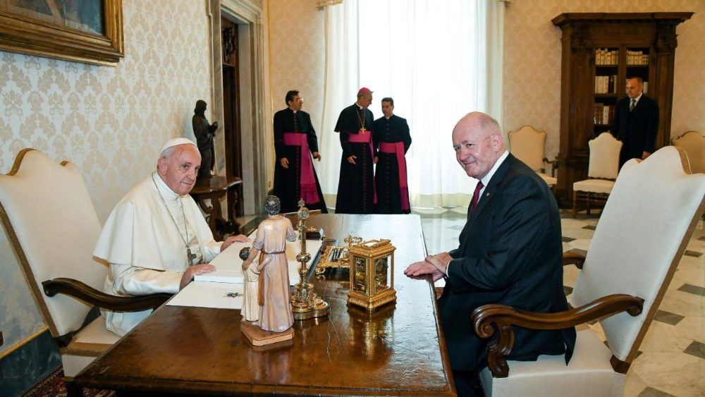 pope-francis-receives-the-governor-general-of-1529921055323.jpg