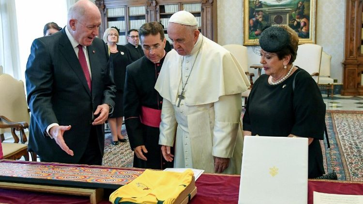 pope-francis-receives-the-governor-general-of-1529921057501.jpg