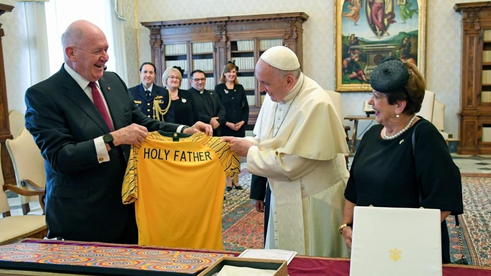pope-francis-receives-the-governor-general-of-1529921951246.jpg