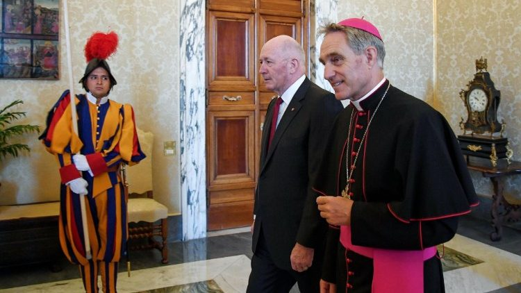 pope-francis-receives-the-governor-general-of-1529921952029.jpg