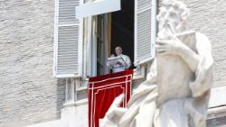 pope-francis--angelus-prayer--1530270902940.jpg