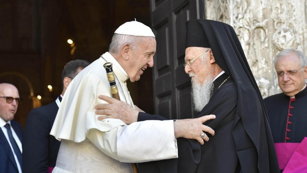pope-francis-in-bari-1530957443178.jpg