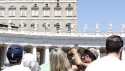 angelus-by-pope-francis-in-st--peter-s-square-1531050456563.jpg