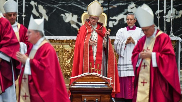 pope-francis-at-the-funeral-of-cardinal-taura-1531394241522.jpg