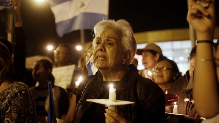 hundreds-of-people-protest-in-guatemala-again-1532056776590.jpg