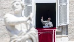 pope-francis--angelus-prayer--1532861949065.jpg