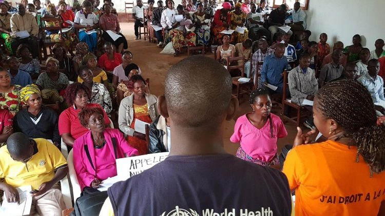 EBOLA: WHO and UNICEF officials training with communities in Beni, North Kivu