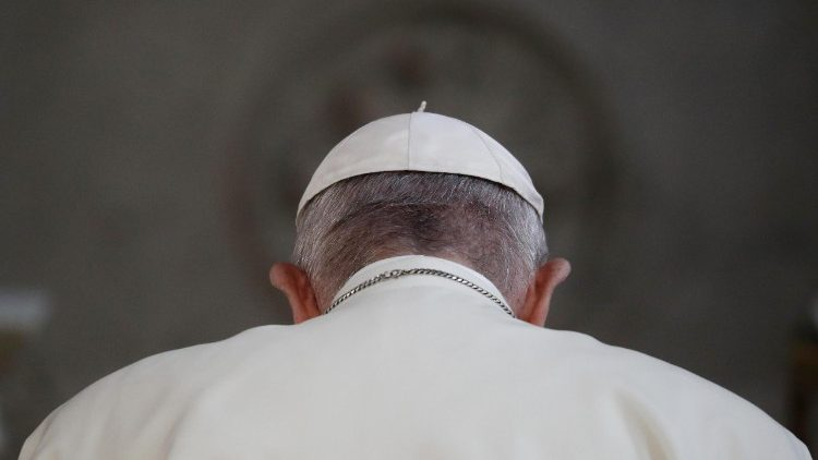 pope-francis-prays-inside-st-mary-s-pro-cathe-1535210496775.jpg