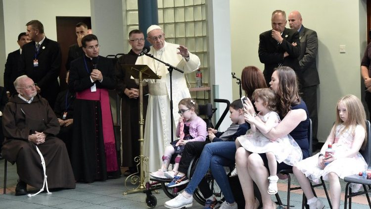 pope-francis-vist-to-the-capuchin-day-centre--1535215303248.jpg