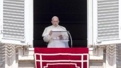 pope-francis--angelus-prayer-1535889415473.jpg