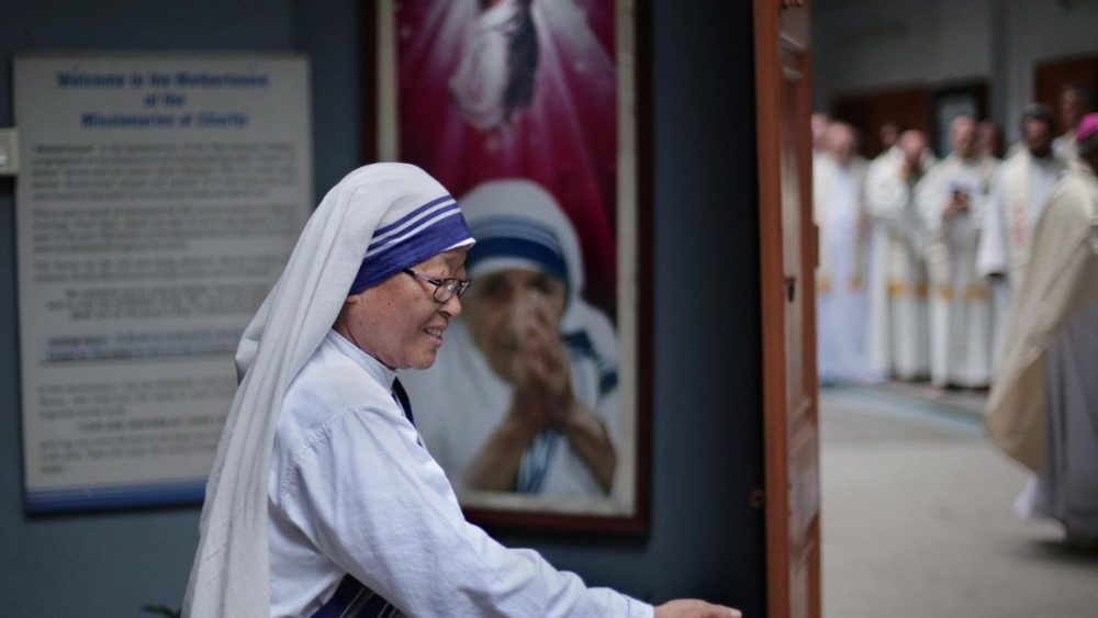 death-anniversary-of-mother-teresa-in-kolkata-1536120119886.jpg
