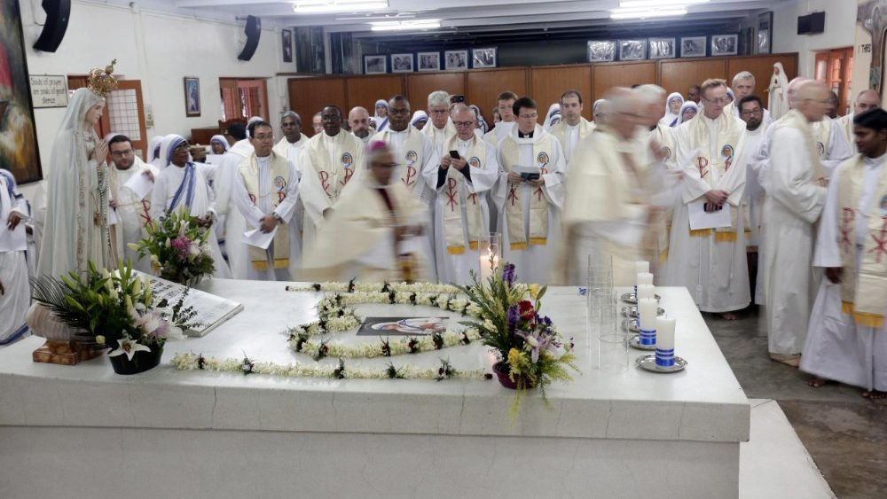 death-anniversary-of-mother-teresa-in-kolkata-1536122209502.jpg