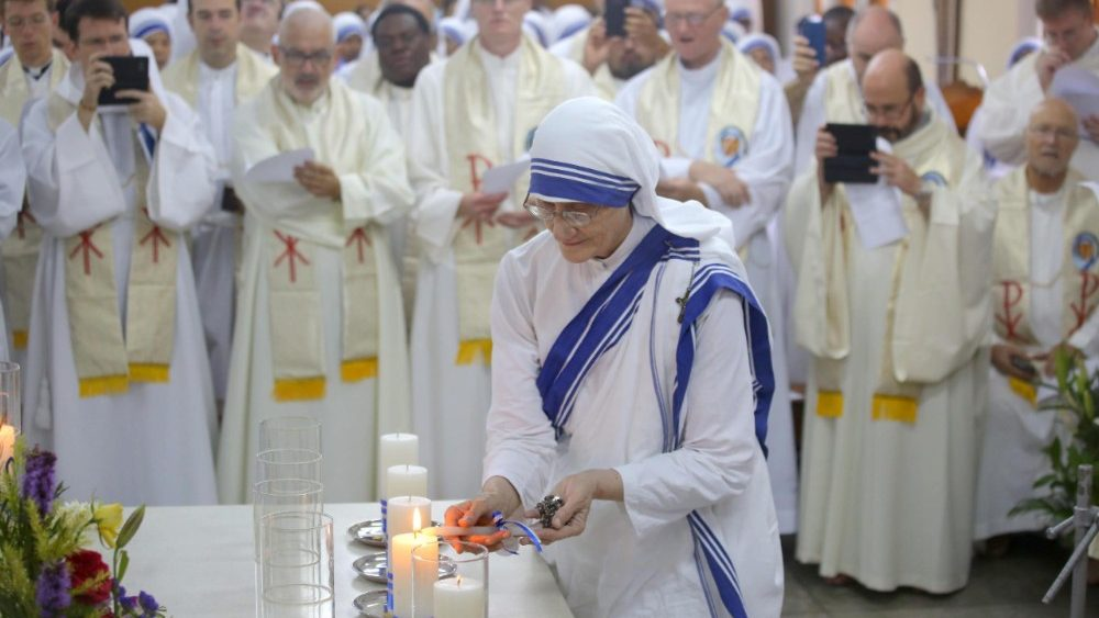 death-anniversary-of-mother-teresa-in-kolkata-1536124920394.jpg