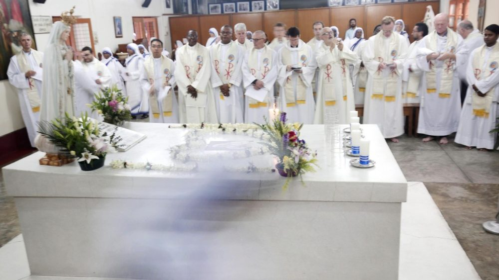 death-anniversary-of-mother-teresa-in-kolkata-1536126115495.jpg