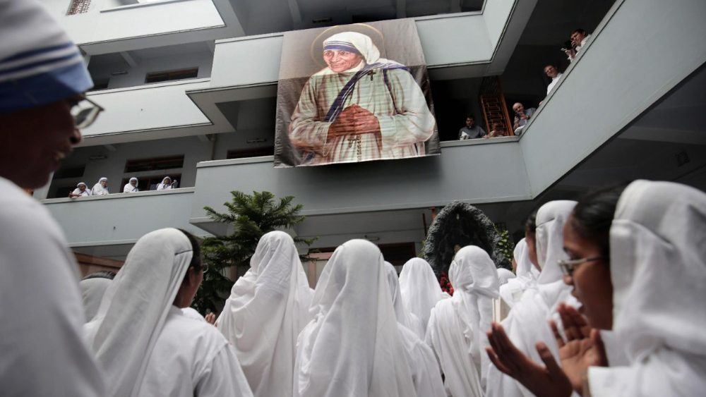 death-anniversary-of-mother-teresa-in-kolkata-1536134809918.jpg