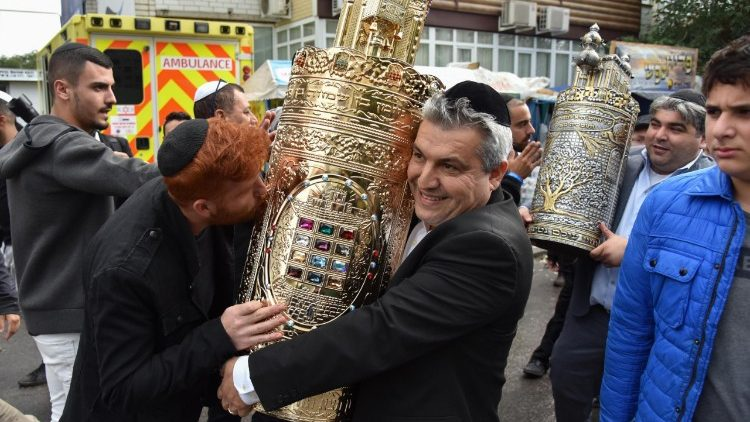 Orthodox Jews mark Rosh Hashanah in Uman