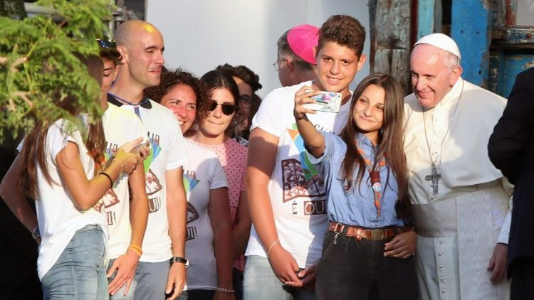 Pope Francis engages with young people in Palermo
